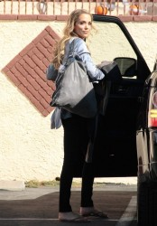 Elizabeth Berkley - DWTS practice in Hollywood 10/18/13