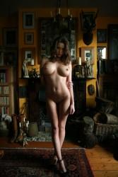 http://thumbnails104.imagebam.com/28403/98fed2284025607.jpg