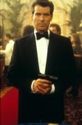 Джеймс Бонд 007: И целого мира мало / 007 The World Is Not Enough (Пирс Броснан, 1999) 53b51b287543674