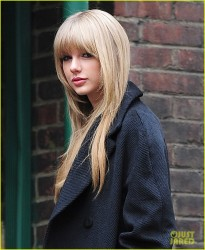 Taylor Swift - Arriving to rehearsals for the 2013 Victoria�s Secret Fashion Show in NYC 11/12/13