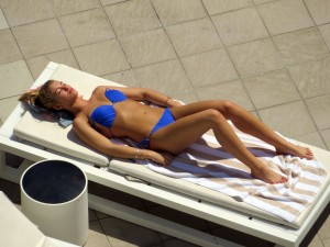 b6e094289489566 Amy Willerton – bikini poolside candids in Sydney