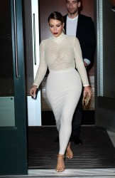 Kim Kardashian Leaving Kanye West's Apartment in New York City - November 18, 2013