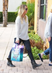 Kaley Cuoco - Out in LA 11/21/13
