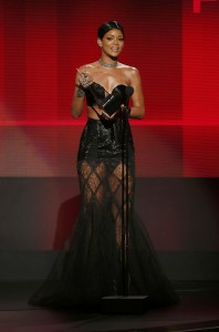 Rihanna – 2013 American Music Awards, Show | Los Angeles | 24 Nov