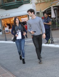 1ab59f291663134 [High Quality] Jessica Lowndes   at The Grove in LA 11/26/13 high resolution candids