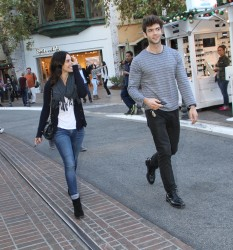 86a7ff291663400 [High Quality] Jessica Lowndes   at The Grove in LA 11/26/13 high resolution candids