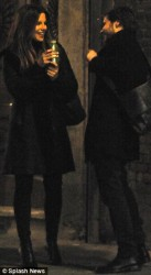 f02a78291794152 [Low Quality] Kate Beckinsale   on the set of The Face of an Angel in Italy 11/28/13 high resolution candids
