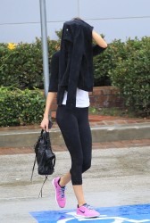 Kendall Jenner - Leaving the gym in LA 11/29/13