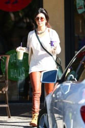 Kourtney Kardashian - Out in Woodland Hills 11/30/13
