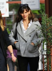 Jennifer Garner - out in Brentwood 12/2/13