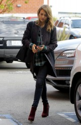 Jessica Alba - going to her office in Santa Monica 12/3/13