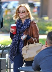 Reese Witherspoon - out in Santa Monica 12/4/13