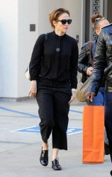 Jennifer Lopez - Shopping in Beverly Hills 12/5/13