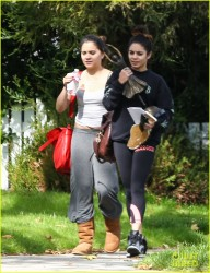 Vanessa & Stella Hudgens - Shopping in LA 2/20/14