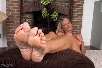 zara feet