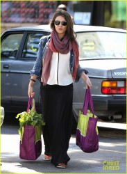 Mila Kunis - Grocery shopping in Studio City 4/7/14