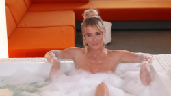 Sara Underwood - Talking Stocks in a Tub for Maxim Magazine