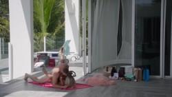 Hot Celebrity & Photoshoot Vids - Page 4 Ca2019559384773